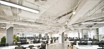 Klimatyzacja w miejscu pracy – dlaczego warto z niej korzystać?