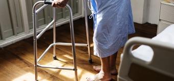 Opiekunka za granicą – z czym to się wiąże?