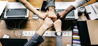 Udogodnienia pracy w biurze – jak zmieniały się przez lata?