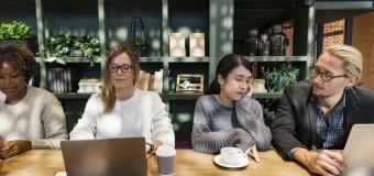 Szkolenia marketingowe – czy warto się na nie zapisać zanim zaczniemy szukać pracy?