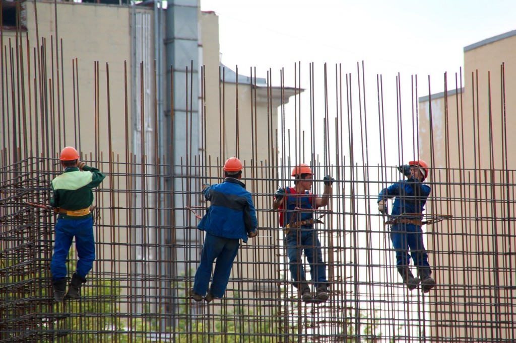 steelworkers-1029665_1280