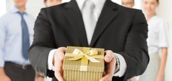 Kilka pomysłów na opakowanie upominków pracowniczych w Twojej firmie