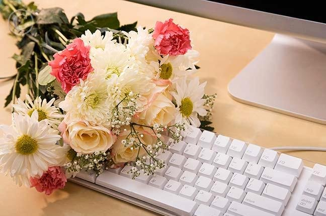 Buying-Flowers-Online