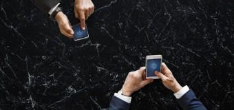 Smartfon do zadać specjalnych – który sprawdzi się w trudnych warunkach?