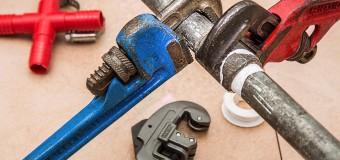 4 pytania, które musisz zadać hydraulikowi przed jego zatrudnieniem