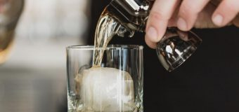 Kilka ciekawych prezentów dla koneserów alkoholi